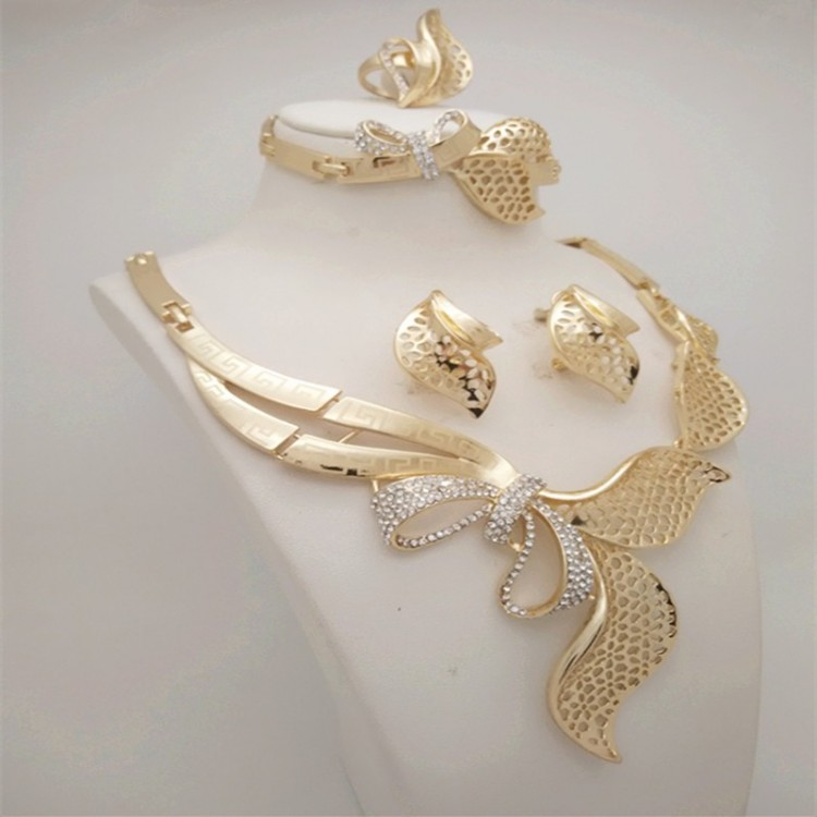 min bracelets casual clouds gorgeous three austrian earrings fashion gold woman times of plated jewellery women crystal copy necklace rose products layers set